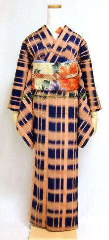 アンティーク着物コーデ*格子柄小紋と椿柄の昼夜帯 | 着物浪漫写真館
