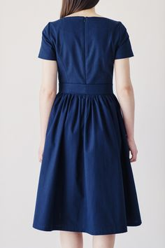 Sukienka Melia granatowa - krótki rękaw