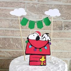 Snoopy christmas birthday party cake topper, Snoopy christmas baby shower cake, Charlie brown christmas cake topper, christmas birthday ideas #christmasbirthdaypartyideas, #snoopychristmasdecor #snoopybabyshower #snoopybirthday