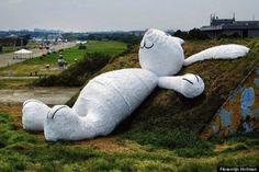 프로렌테인 호프만의 '달 토끼'(Moon Rabbit):