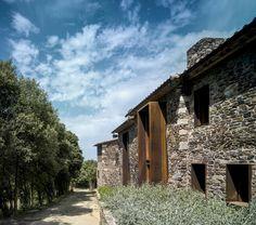 Uma casa de pedra em meio à natureza - Villa_CP_ZEST_ARCHITECTURE_Jesus Granada