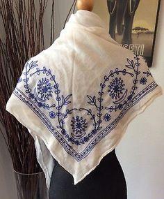 ANTIQUE Hungarian Embroidered Linen Shawl Scarf KALOTASZEG Folk Art Textile
