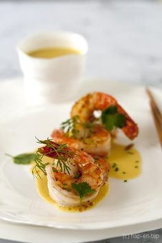 Scampi in Thaise curry met appeltjes Tapas, Scampi Curry, Fish Recipes, Healthy Recipes, Cooking Recipes, I Want Food, Deli Food, Snacks Für Party, Food Plating