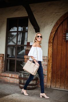 off-the-shoulder top, nude bag, skinny jeans & neutral short heels #style #fashion #summer