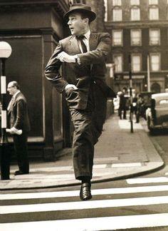 Gene Kelly Golden Age Of Hollywood, Vintage Hollywood, Hollywood Stars, Hollywood Images, Fred Astaire, Tanz Poster, Tango, Franck Sinatra, Divas