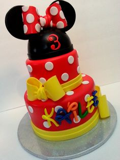 Minnie Mouse ! - Fondant covered cake...its not often that I do a cake fully covered in fondant but this is one of them...I was really nervous that it wouldnt work