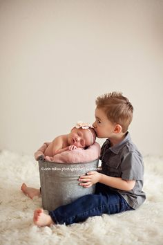Newborn Session: http://erintukuaphotography.com/