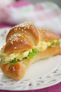 Bagel, Dessert, Hamburger, Bread, Snacks, Baking, Koti, Appetizers, Deserts