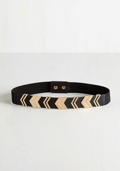 Chevron the Right Path Belt in Black. Youre sure to feel a spring in your step when youre sporting this fresh black belt! #black #modcloth
