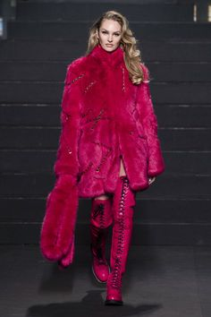 89a2405f21cb3 H M x Moschino Spring 2019 Ready-to-Wear Collection - Vogue Spring Couture