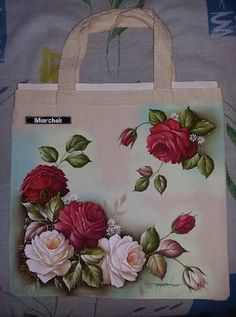 Resultado de imagem para avental pintado Painted Bags, Painted Clothes, Hand Painted Canvas, Tole Painting, Fabric Painting, Pinterest Pinturas, Diy And Crafts, Arts And Crafts, Stencil Patterns