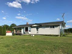 Bright and spacious bungalow house for sale in Haley Station, ON Just Listed ~ 711 Chenaux Road, Haley Station, ON. #justlisted #bungalowforsale #forsalebyowner #renfrewrealestate #Haleystation #bestflatfee #flatfeemlslisting #flatfeemls #flatfeerealestate #flatfeemlsontario #fsbo