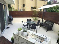 和室前のウッドデッキ(濡れ縁)からタイルデッキへのアクセス Architecture Design, Porch, New Homes, Deck, Exterior, Patio, House Styles, Garden, Outdoor Decor
