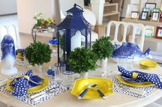 Love the mix blue and yellow and dots on this tabletop arrangement!