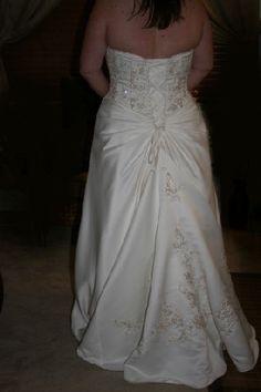 Kinda looks like my dress if its bustled