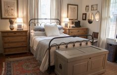 Comfortable Bedroom Ideas 2823432848 Really Classy projects to build a clearly appealing master bedroom ideas on a budget romantic Lovely Bedroom decor ideas shared on this fun day 20181124 Style At Home, Home Town Hgtv, Erin Napier, Master Bedroom, Bedroom Decor, Bedroom Ideas, Bedroom Furniture, Home Fashion, Sweet Home