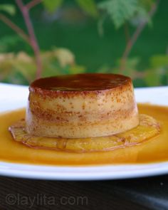 Pineapple flan or Flan de piña - Laylita's Recipes (I'm making this right now!) eta: made it! It was fantastic! Real Mexican Food, Mexican Food Recipes, Sweet Recipes, Dessert Recipes, Bolo Flan, Flan Cake, Comida Latina, Plats Latinos, American Desserts