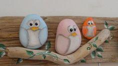 Risultati immagini per galets peints Pebble Painting, Pebble Art, Stone Painting, Rock Painting, Stone Crafts, Rock Crafts, Arts And Crafts, Art Crafts, Rock And Pebbles