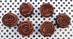 Werkelijk goddelijke chocolade cupcakes, met een topping van chocolade botercrème.