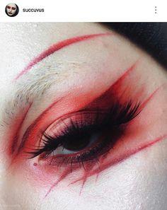 misfit lip liner, nosferatu liquid lipstick, bloodmilk eyeshadow * I'm already hitting pan ? Goth Makeup, Eye Makeup Art, Sfx Makeup, Cosplay Makeup, Costume Makeup, Makeup Inspo, Makeup Inspiration, Makeup Tips, Beauty Makeup