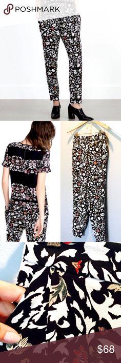 Floral Pants Zara Floral skinny tapered trousers. Zara Pants Skinny