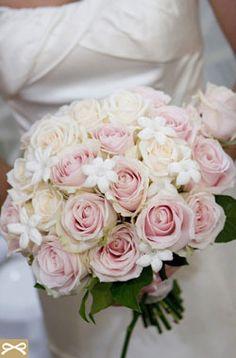 Ρομαντική Ροζ Ανθοδέσμη με γιασεμί