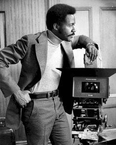 John Shaft (Richard Roundtree) in Shaft 70s Black Fashion, 70s Fashion Men, Fashion Images, Fashion Art, Richard Roundtree, 1970 Style, Most Stylish Men, Film, Black History