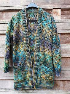 Dit is hetzelfde patroon als de Hello Sunshine maar nu gemaakt van een prachtig verloopgaren in een wol-mix. Crochet Cardigan Pattern, Crochet Jacket, Knit Crochet, Free Crochet, Knitting Patterns Free, Crochet Patterns, Easy Knitting, Welcome Winter, Crochet Dishcloths