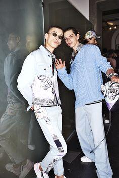 http://www.sonnyphotos.com/2017/06/versace-ss18-men-fashion-show-milan-backstage