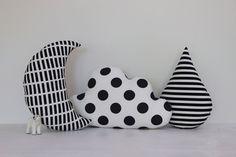 Cloud, Moon And Rain Drop Pillows - Save -Kids Pillows, Monochrome Pillows… Baby Decor, Kids Decor, Nursery Decor, Baby Pillows, Kids Pillows, Sewing Toys, Baby Sewing, Monochrome Nursery, Diy Bebe