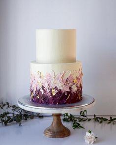 Dripped wedding cakes from cordyscakes cake decorating recipes kuchen kindergeburtstag cakes ideas Small Wedding Cakes, Black Wedding Cakes, Beautiful Wedding Cakes, Wedding Cake Designs, Wedding Cupcakes, Beautiful Cakes, Buttercream Wedding Cake, Cake Icing, Cake Wedding