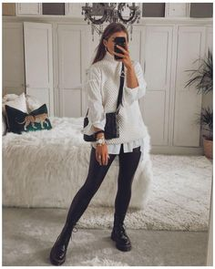 Casual Winter Outfits, Winter Fashion Outfits, Classy Outfits, Look Fashion, Stylish Outfits, Fall Outfits, 2000s Fashion, Sweater Vest Outfit, Vest Outfits