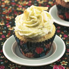 Mandel-Cupcake mit Kokos-Vanille-Creme