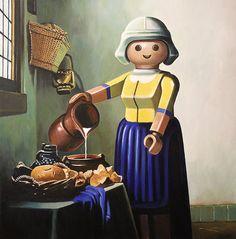 ART - Une Joconde au visage rond, Le Radeau de la méduse occupé par de petits personnages en plastique ou encore La Cène avec des coupes de cheveux bien identifiables autour de la table... Dans ses pe...