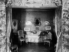 Natalie Clifford Barney's Salon at rue Jacob, Paris - photo of Natalie in front of the Temple à l'Amitié and a sitting room/stage inside Natalie Clifford Barney, Paris 1920s, Lady L, Paris Photos, Interior, Temple, Painting, Feng Shui, Writers