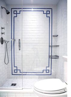 Chinoiserie Chic: The Blue and White Chinoiserie border pattern in the Bathroom