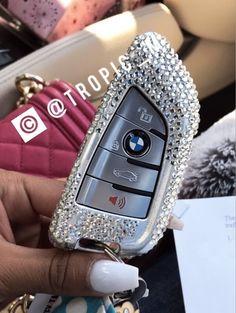 Nice Cars girly … - Cars World Bling Car Accessories, Car Interior Accessories, Car Accessories For Girls, Girly Car, Car Essentials, Car Goals, Cute Cars, Fancy Cars, Future Car