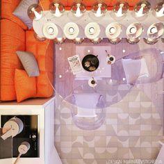Random Light by Bertjan Pot via Moooi   www.moooi.com   #interiordesign #interior #design #lighting #moderninterior #furniture #furnituredesign #moderndesign #kitchen #kitchendesign #modernkitchen   #orangesofa #glasstable #glasschair #дизайнинтерьера #дизайнкухни #дизайн #современныйдизайн #современныйинтерьер #современнаякухня #интерьеркухни #кухня #стеклянныйстол #дизайнмебели #мебель