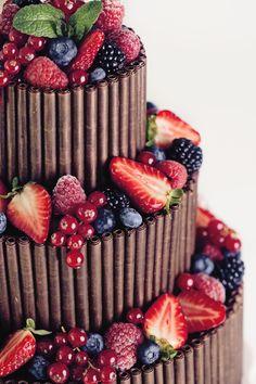 Für den schönsten Tag im Leben darf es nur die schönste Hochzeitstorte sein. Natürlich von Nicola Fürle aus Salzburg! Salzburg, Desserts, Food, Kuchen, Life, Nice Asses, Tailgate Desserts, Deserts, Essen