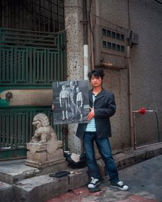 China produces 70 percent of copies of famous masterpieces for export to North America and Europe. The fastest copy artists chug out 30 paintings a day. In his series Real Fake Art, photographer Mi… Michael Wolf, August Sander, Original Copy, North America, China, Gallery, Hong Kong, Inspiration, Sons