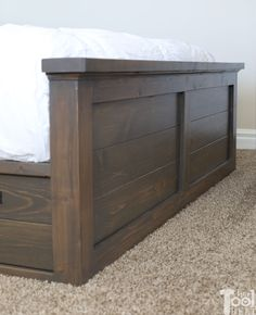 Latest Photographs Farmhouse Bedding headboard Popular Farmhouse style bedding features a certain feel to it. Light, clean , crisp, neutral and rustic are Diy King Bed Frame, Bed Frame Plans, King Size Bed Frame, Bed Plans, Diy Bedframe With Storage, Bed Frame With Storage, Storage Beds, Do It Yourself Furniture, Diy Furniture Plans