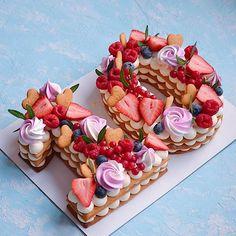 Очередная циферка 2️⃣9️⃣ Каждый торт неповторимый и только для Вас❤️ ————————————————-#тортмосква #торт #тортик #тортыназаказ… Number Birthday Cakes, 10 Birthday Cake, Number Cakes, Cute Desserts, Wedding Desserts, Dessert Recipes, Amazing Food Images, Alphabet Cake, Cake Lettering