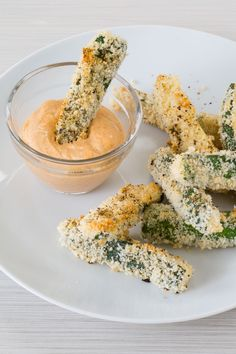 Pizza and fries collide with these crisp zucchini fries. Serve with warm Marinara Sauce or kick up the heat withChipotle Aioli.Perfectly balance your plate: Serve with 1 protein serving and 1 C ml) veggies. Epicure Recipes, Veggie Recipes, Snack Recipes, Cooking Recipes, Fast Healthy Meals, Easy Healthy Recipes, Healthy Snacks, Healthy Choices, Healthy Eats