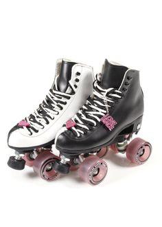 Love+Made x Moxi Roller Skates Best Roller Skates, Roller Skate Shoes, Roller Derby, Roller Skating, Skate 3, Skate Style, Sock Shoes, Cute Shoes, Shoe Boots