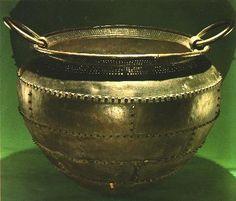 Bronze_Cauldron