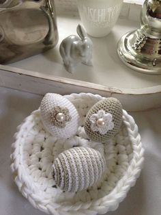 Alles Ei, oder was… Easter Crochet Patterns, Crochet Bunny, Crochet Home, Crochet Patterns Amigurumi, Egg Crafts, Easter Crafts, Knitting Projects, Crochet Projects, Crochet Decoration