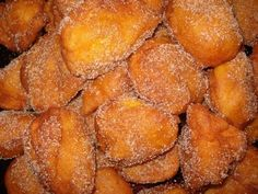 Portuguese Desserts, Portuguese Recipes, Beignets, Squash Cakes, My Favorite Food, Favorite Recipes, Haitian Food Recipes, Christmas Biscuits, Salads