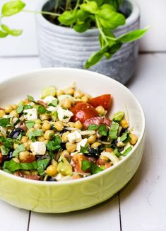 Healthy meals on a budget to lose weight without timer Salad Recipes Healthy Lunch, Lunch Snacks, Easy Healthy Recipes, Healthy Drinks, Healthy Snacks, Healthy Food To Lose Weight, Clean Eating Recipes, Feta, Cooking