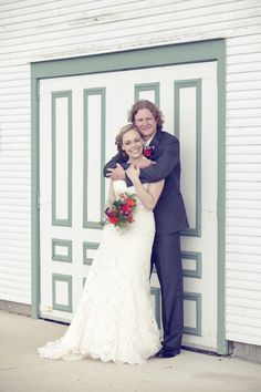outdoor wedding // Madison, WI // outdoor wedding ceremony // bride and groom photos