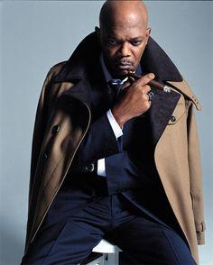 Jackson (b. December me some samuelllll jackson! Sharp Dressed Man, Well Dressed Men, Fashion Moda, Mens Fashion, Famous Cigars, Samuel Jackson, Jackie Brown, People Smoking, Good Cigars